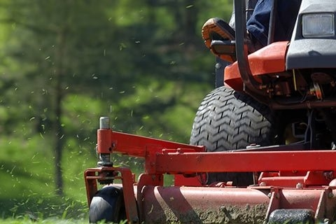 Put Your Best Foot Forward with Top-Quality Kalamazoo Grounds Maintenance